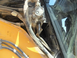 Spool control valve had been removed from a Volvo Grader.